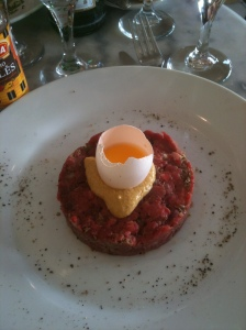 A perfect looking steak tartar